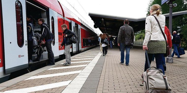 Bahn Passagiere